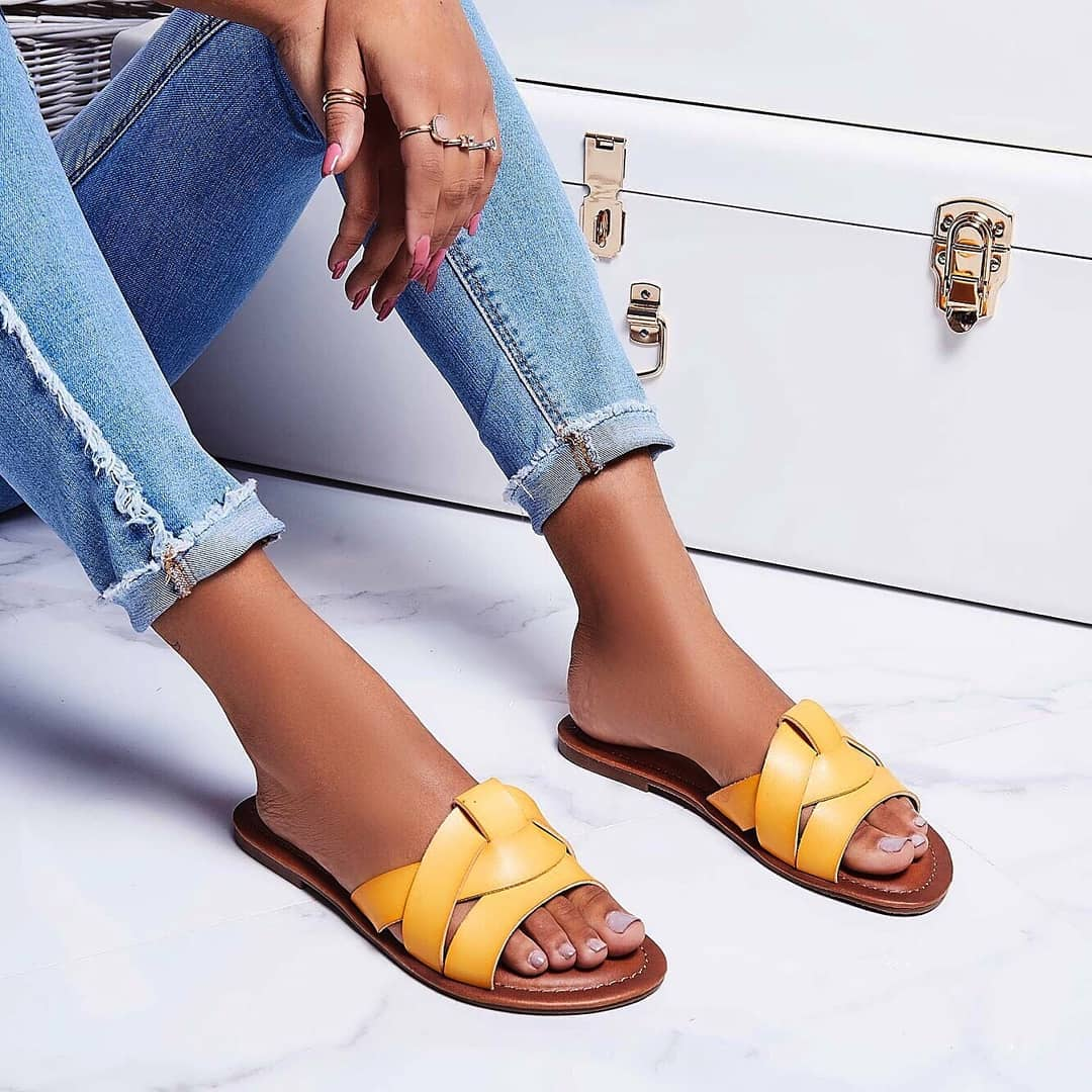 Billie Flat Sandal In Yellow Faux Leather